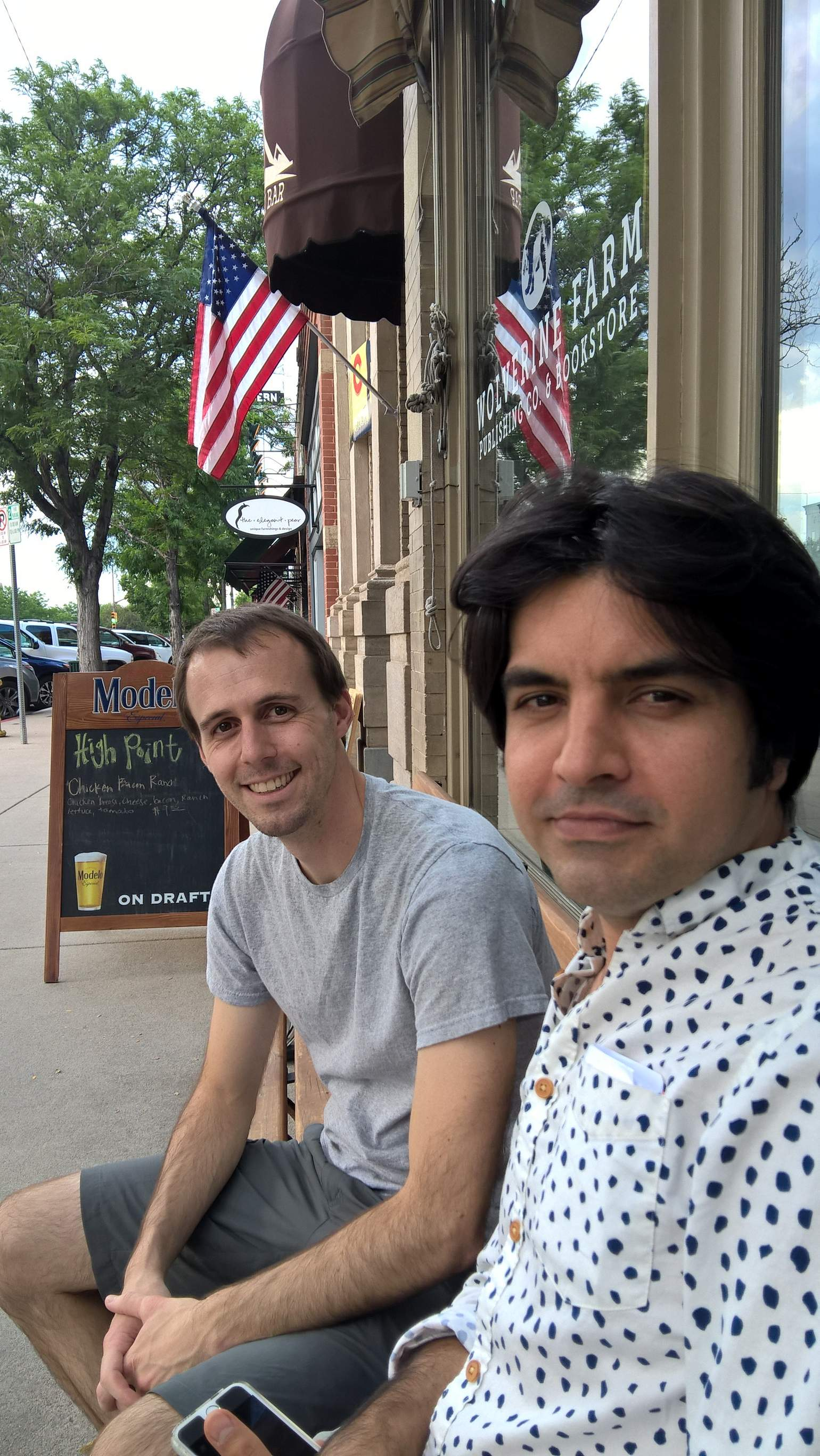 Alberto y Azad