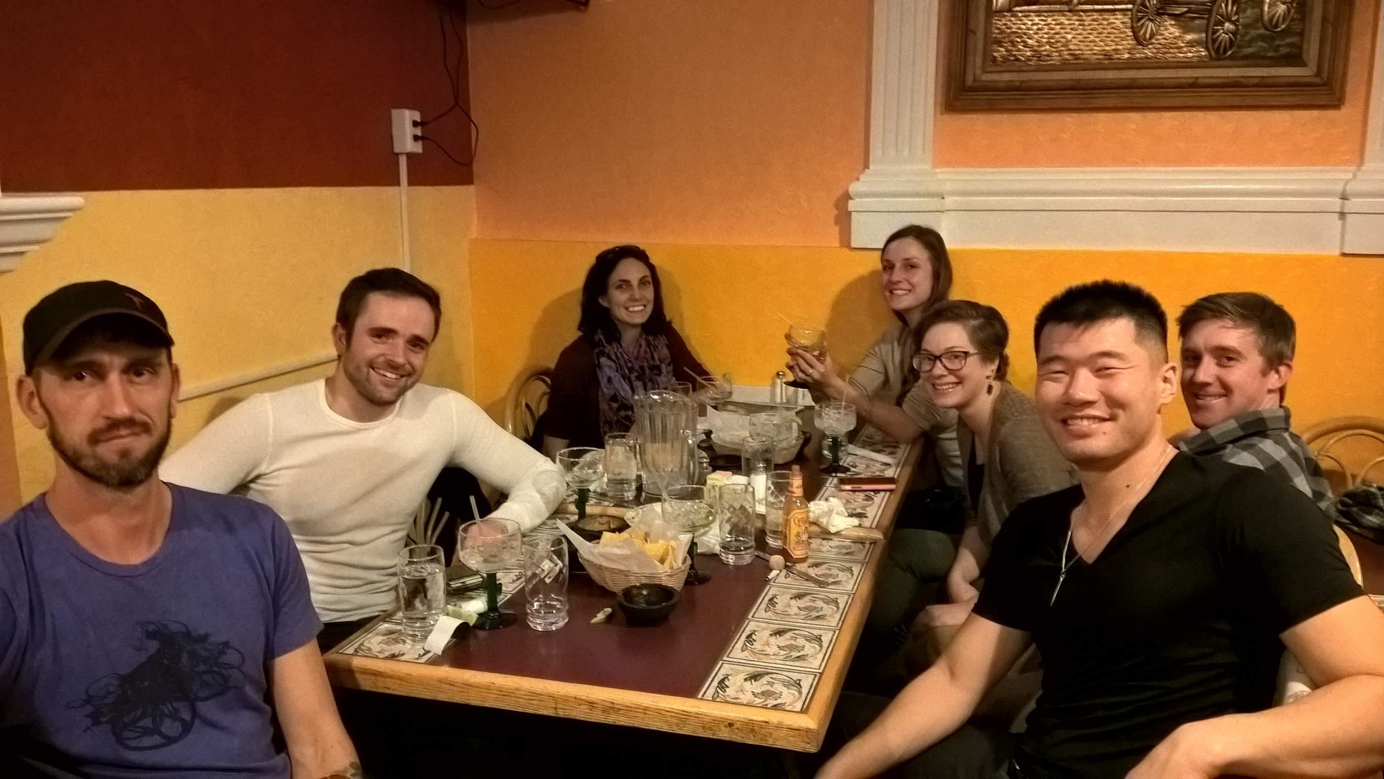 Wes, Chris, Kelsey, Olivia, Siri, Neal y Ning. (2016-11-21)
